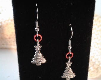 Pewter tree with red jumpring