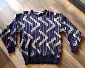 80's comfy sweater - Size Medium - vintage acrylic sweater with abstract print