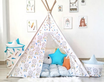 Kids Tepee with blue Dreamcatcers
