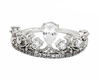Fashion laurel crown crystal ring