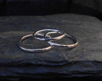 Skinny sterling silver ring, hammered, 1.6 mm ring, made at your size. Skinny ring, thin ring, stacking ring.