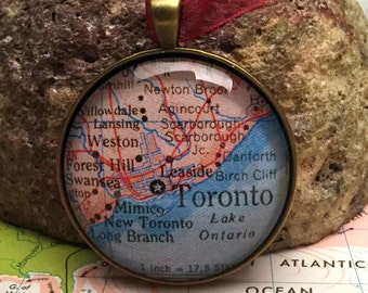 Toronto Christmas Ornament, Keep a memory Alive / HONEYMOON Gift / Wedding Map Gift / Travel Tree Ornament /Bridesmaid Gift / Secret Santa /