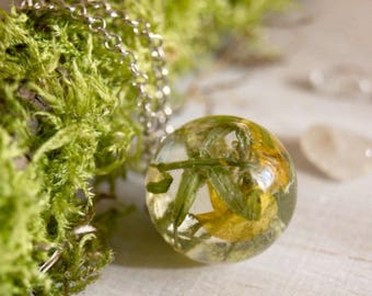 Resin nature gift, Terrarium necklace, Green plant necklace, Women resin gift, lichen Terrarium Forest resin gift, Woodland Resin gift
