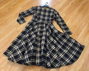 Check dress, Winter dress, check winter dress, long sleeved midi dress, long sleeved dress, check dress, navy dress