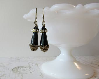 Lady Mary's Black Teardrops // Downton Abbey Inspired Dangle Earrings