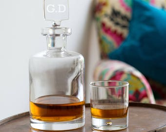 Personalized Decanter, Glass Decanter with Engraved Stopper, Whisky Decanter (OHSO778) L3D1