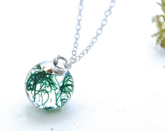 Moss resin necklace . Real moss necklace. Gift for her. Forest Jewelry. Green Moss necklace. Nature inspired necklace. By OCEAN PETALS