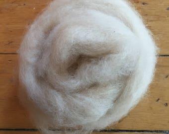 Beige/Cream 100% Alpaca Roving