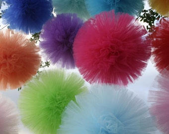 Tulle pom poms... Set of 8