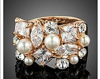 Vintage Austrian Crystal and Pearl band ring