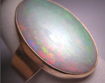 Outstanding Rare Vintage Large Australian Opal Ring English Gold Wedding