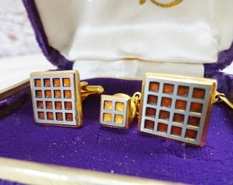 Vintage Marque square Cuff links gold tone boxed with tie pin Cuff-links
