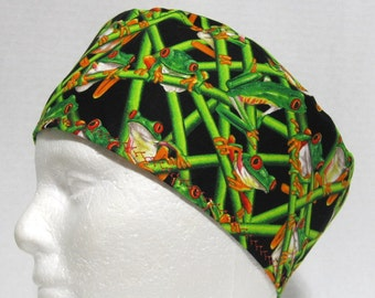 Mens Scrub Hat, Surgical Cap or Skull Scrub Cap with Red Eyed Tree Frogs on Black