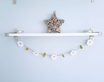 Summer bunting, garland, crochet, daisy chain, home decor, handmade, crochet