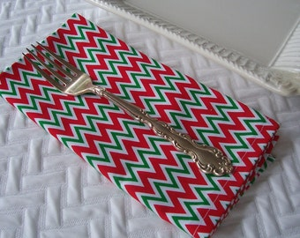 Christmas Cloth Dinner Napkins, Christmas Chevron Napkins, Cloth Napkins, Set of 4 Four Dinner Napkins