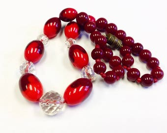 Art Deco red and burgundy glass bead necklace.