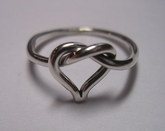Valentine Ring. Beautiful Heart Shaped Love Knot Ring