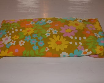 Vintage Pacific Flower Twin Fitted Sheet