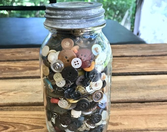 Ball Perfect Mason Jar Zink Lid full of old buttons Vintage Bottle of Buttons Glass jar of buttons Farmhouse Primitive Decor 32 oz Jar