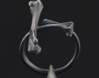 What Remains - Cross Bones Ring 2 in oxidized sterling silver