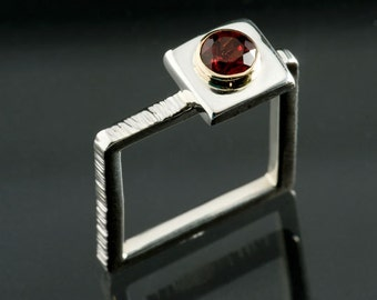 Pyrope Red Garnet, Bezel set Serling Silver Square Ring, Silver Square Ring, January Birthstone Silver Ring, 5mm Garnet
