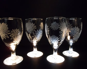 Water glasses etched with flowers.  Set of 4. Drinking glasses, wedding gift, bridesmaid gift.