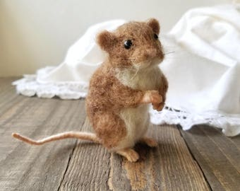 Needle felted Mouse, Felt mouse, Realistic mouse, felted mouse, Mouse doll, Needle felting, Nature table