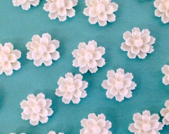 13mm Resin Flower Cabochon - daisy- white QTY 10