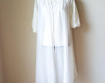 Vintage Vanity Fair Sheer Lace Nightgown & Robe