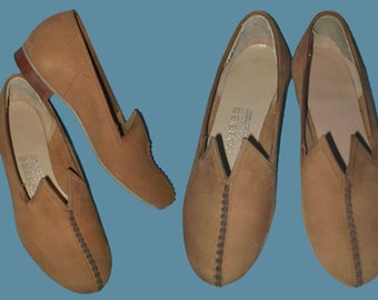 Vintage 60s Slip-On Shoes Nutmeg Nubuck 5 B