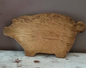 Pig cutting board, vintage wooden pig, farmhouse pig decor, primitive cutting board