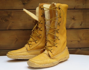 MOCASSIN MUKLUKS BOOTS, Vintage fashion, Women's boots, Leather sheep boots, Beige, Canadian moccasin, Winter boots, Outdoor, Snowshoes