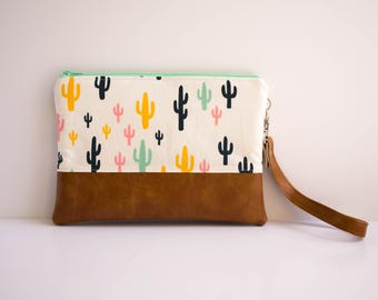 Cactus Zipper Pouch, iPhone 5s Wallet, Small Purse, Festival Bag, Sling Bag, Southwest Style
