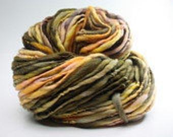 Thick and Thin Handspun Yarn Slub tTS(tm) Hand dyed LR Purpurea 01