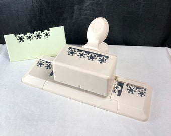 Martha Stewart Scrapbooking Paper Punch ASPEN SNOWFLAKES Around the Page Hinged