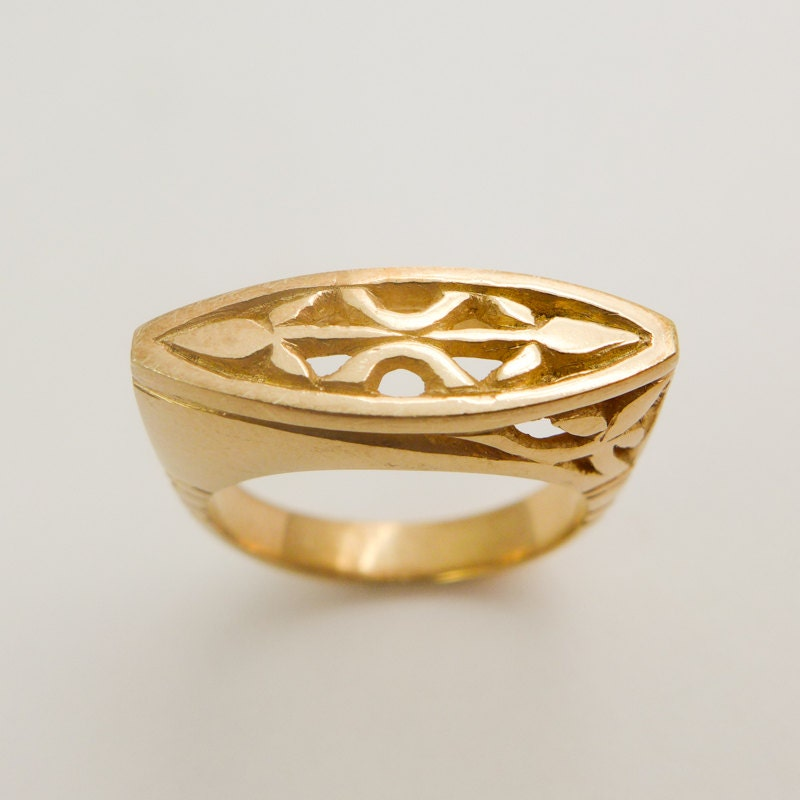 Gold signet ring Engraved gold ring 14 karat solid gold