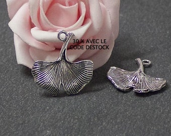 Gingko leaf x 10 charms in antique silver BRA234 25x23mm
