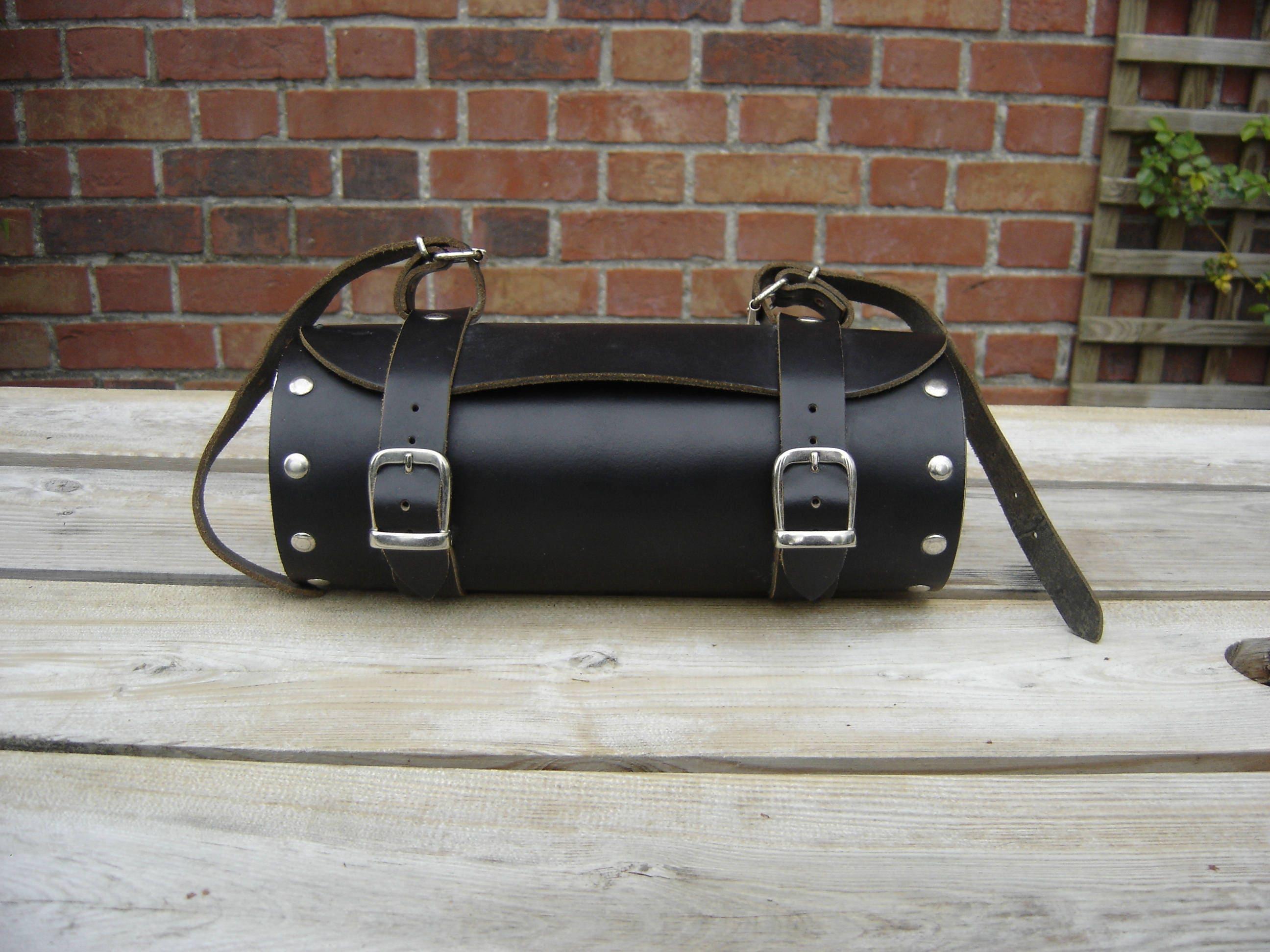 sacoche cuir moto motorcycle bag vintage france. Black Bedroom Furniture Sets. Home Design Ideas