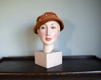 50% SALE . Vintage 1930s hat . 30s velveteen hat