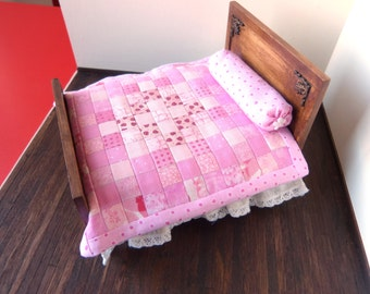 1:12 scale Dollhouse bed cover patchwork in pink