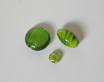 Set of 3 glass oblong and round beads green color