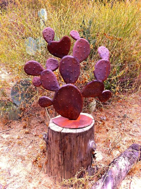 Clumpy Nopal Rustic Metal Yard Art Garden Sculpture Metal
