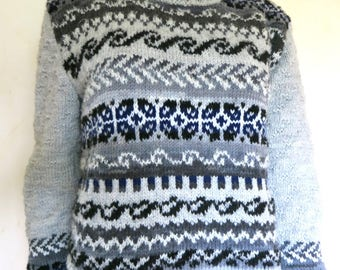 Sweater jacquard color shades of gray