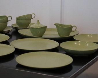 Vintage Oneida Melamine/ Oneida Deluxe/ Rerto Dinner Set & Oneida dinnerware | Etsy