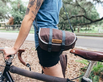 Seven Hills, handle bar and saddle bag, brown waxed canvas