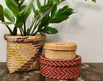 Vintage Set of 2 Natural Grass Woven Lidded African Baskets Gift Box Packaging Idea // Boho Storage Style