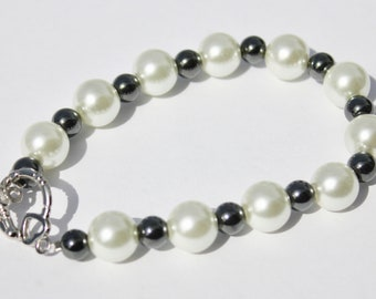 Glass Pearl and Hematite Bead Bracelet