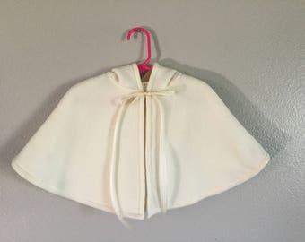 Girl's hooded capelet, fleece