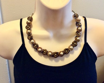 Classic Pearl button necklace