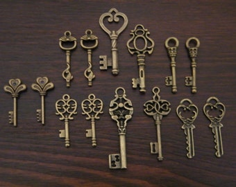 Keys to the Castle - Bronze Skeleton Keys - 14 x Antique Bronze Brass Skeleton Key Pendants Vintage Skeleton Key CharmsReplica Key Set